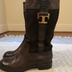 Tory Burch boots. Grab these for the winter!
